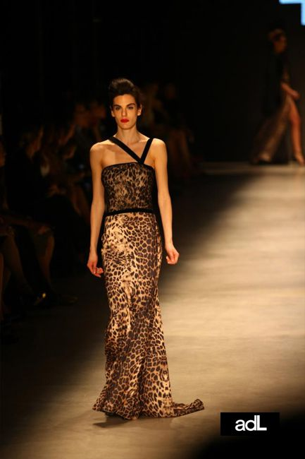 ADIL ISIK APPAREL 2013 Runway Dresses Collection