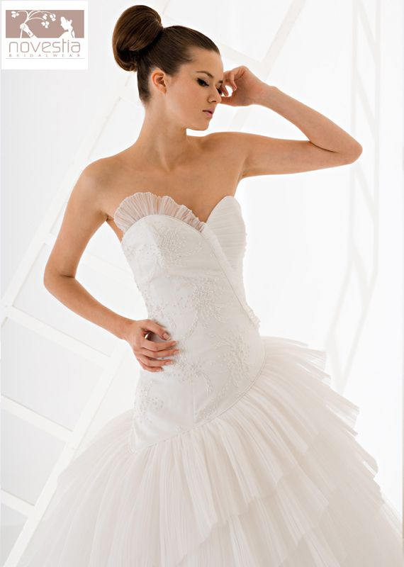 NOVESTIA BRIDAL WEAR  - TurkishFashion.net